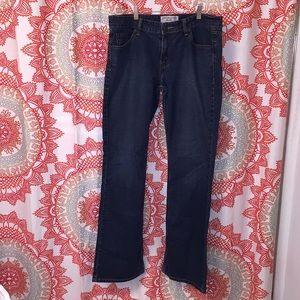 Levi's 11 Jeans Lowrise Bootcut Long